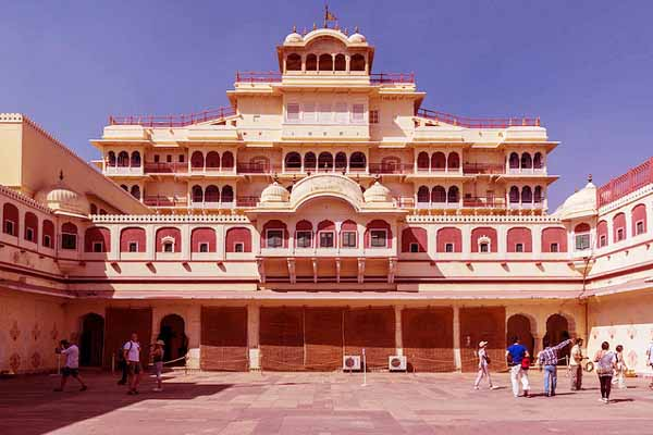 City-Palace-Udaipur-city-tourism-best-tour-company-in-udaipur-rajasthan