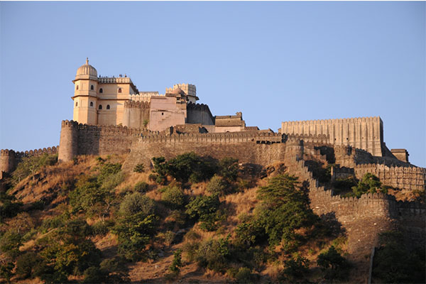Kumbhalgarh-Fort-best-tourist-attractions-near-udaipur-best-tour-travel-company-in-udaipur