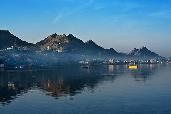 ana-sagar-lake-Udaipur-city-tourism-best-tour-company-in-udaipur-rajasthan