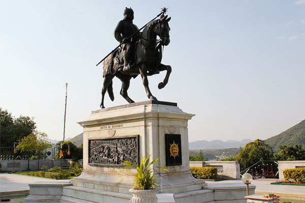 pratap-smarak-top-10-places-to-visit-in-udaipur-best-tour-company-in-udaipur-rajasthan