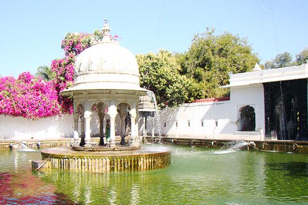 saheliyo-ki-bari-Places-to-Visit-in-Udaipur-best-tour-company-in-udaipur-rajasthan