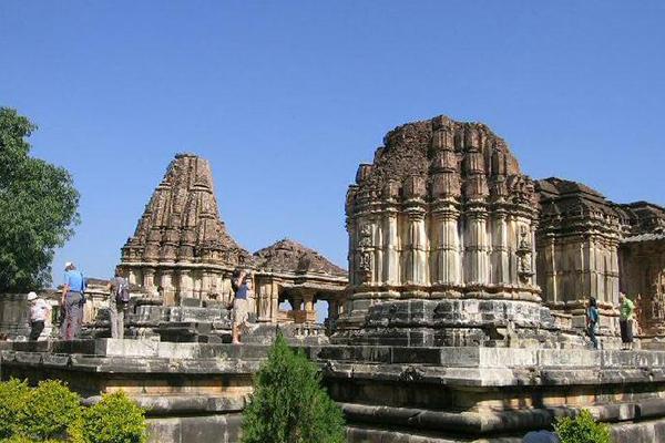 sas-bahu-temple-udaipur-tourist-places-list-best-tour-company-in-udaipur-rajasthan