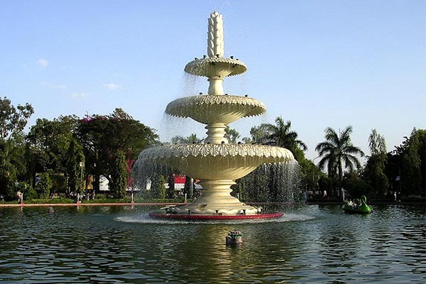 sukhadia-circle-Tourist-Attractions-in-udaipur-best-tour-company-in-udaipur-rajasthan