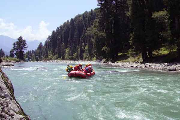 white_water_raftin_Kashmir-Tour-Packages-in-udaipur-rajashan-tour-&-travel-company-in-rajasthan